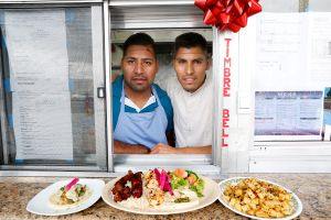 Hermanos hacen realidad su sueño al abrir restaurante libanés con sazón oaxaqueño