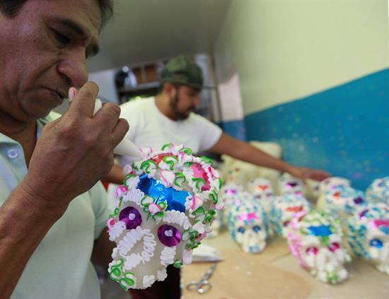 Calaveritas de azúcar, una tradición para el Día de Muertos en México