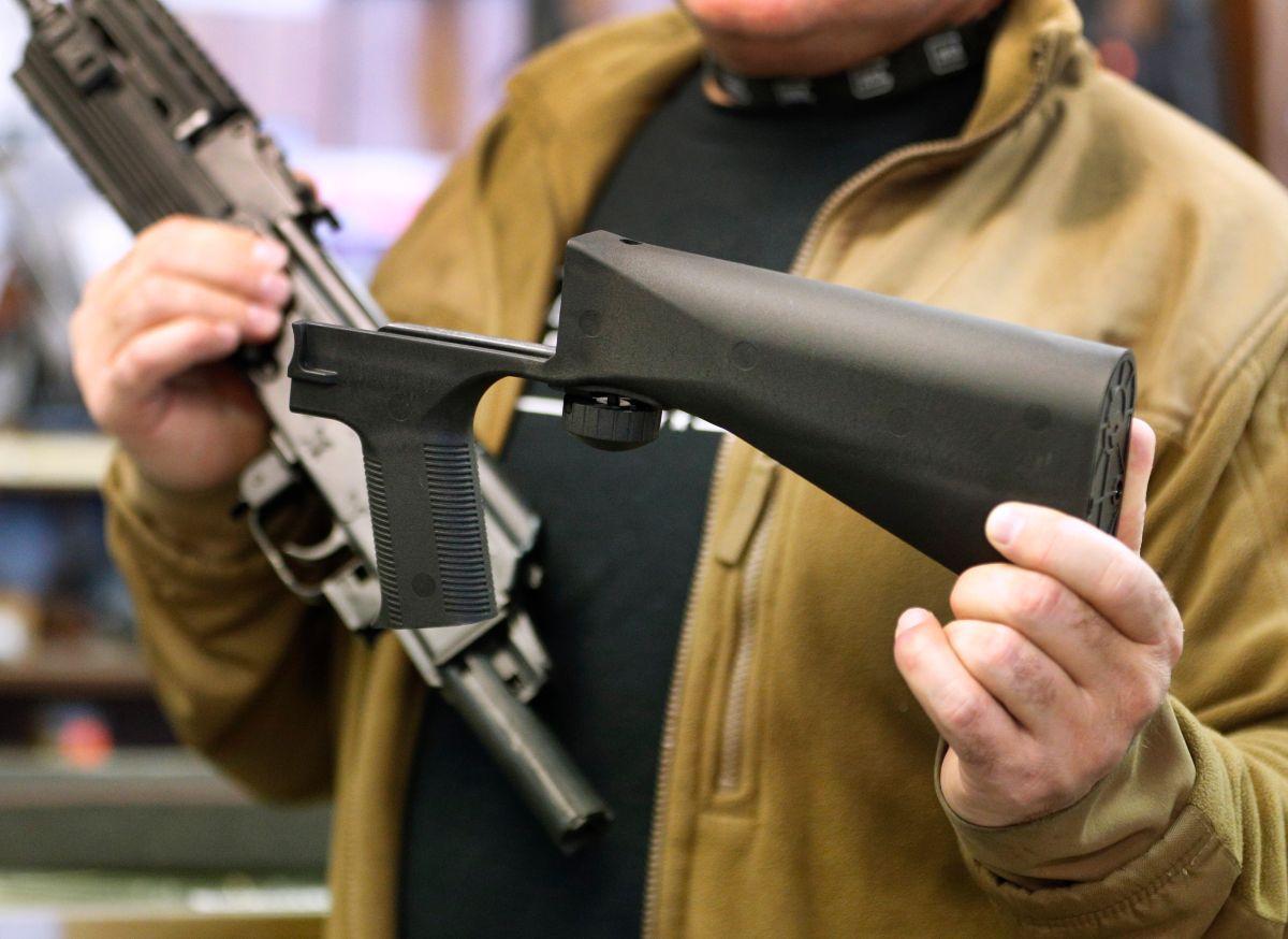 Policía de Los Ángeles respalda prohibición de accesorios de armas