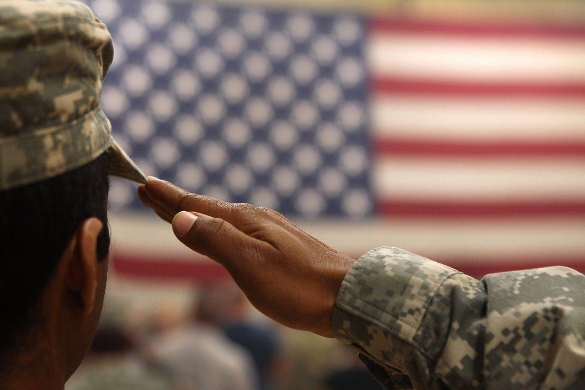 """Otra vez abren ejército para reclutas con """"green card"""" pero con nivel extremo de escrutinio"""