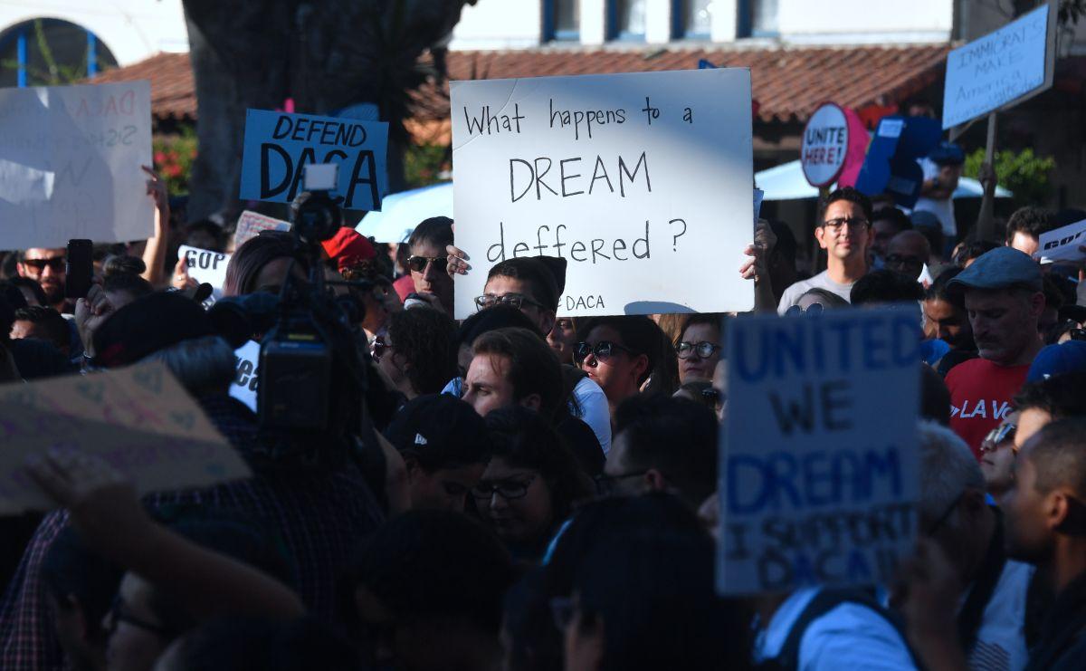 "Líderes demócratas confían votar el ""Dream Act"" antes de Navidad"