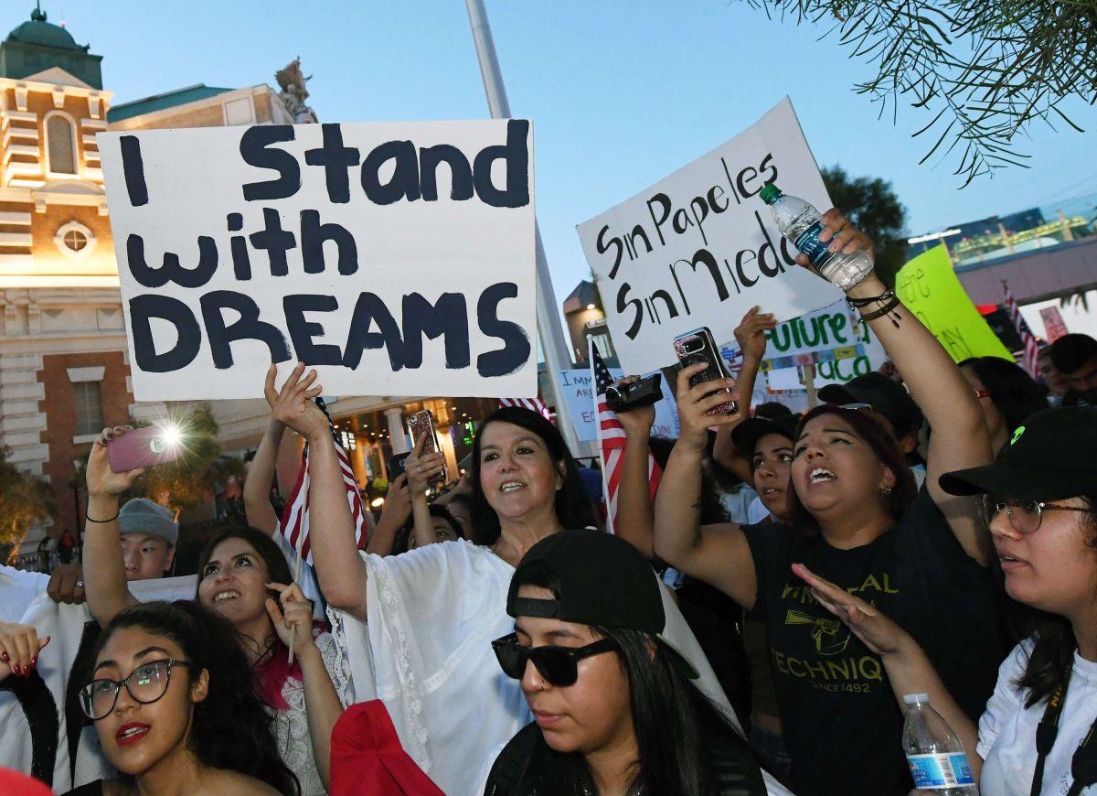 """Dreamers: """"No dejaremos nuestro futuro en manos de los políticos""""."""