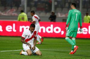 VIDEO: El error técnico de David Ospina para que valiera el gol de Paolo Guerrero