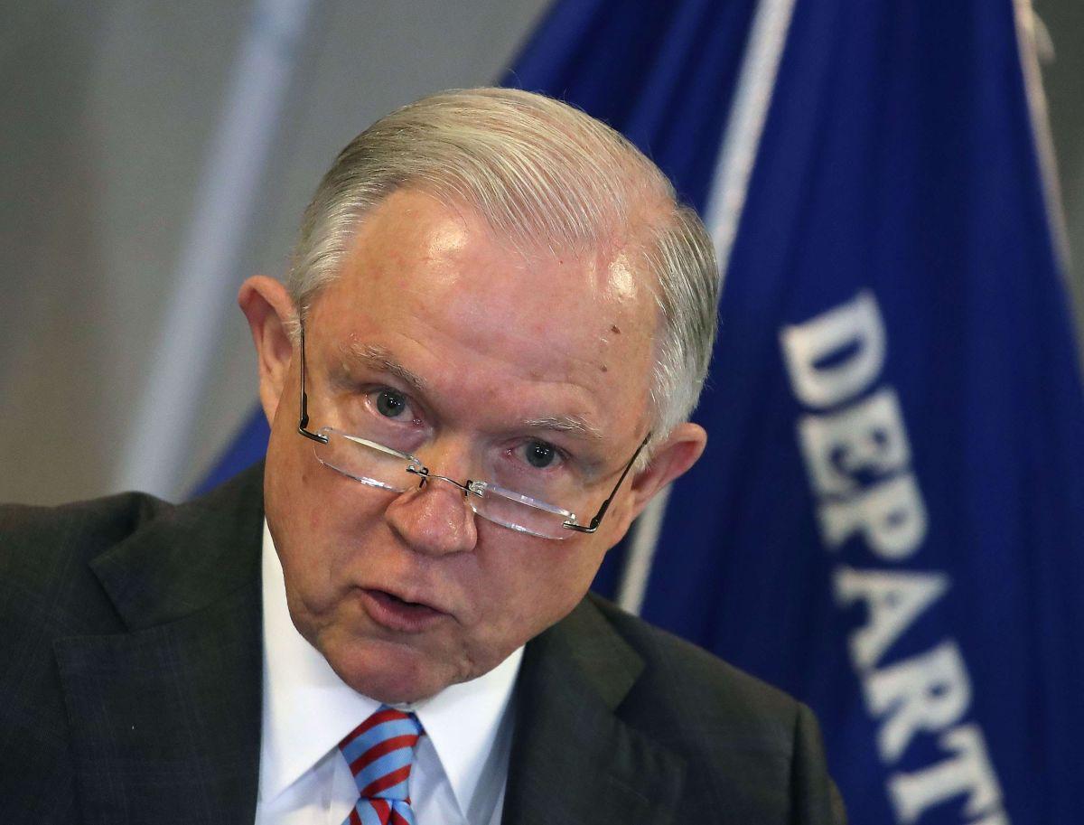 Demandan a Sessions para proteger a víctimas de pandillas y violencia doméstica