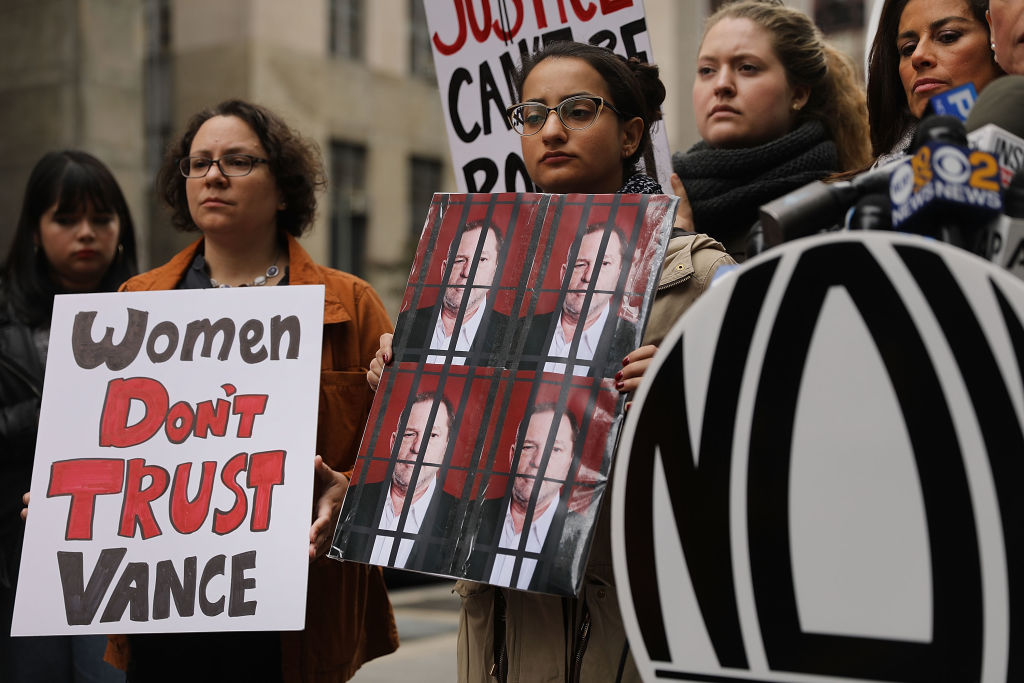 Las 10 grandes ciudades más y menos seguras para las mujeres