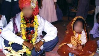 India decreta como violación tener relaciones sexuales con una esposa menor de 18 años