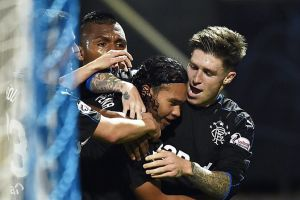 """Doblete del mexicano """"Gullit"""" Peña en goleada del Rangers en Escocia"""
