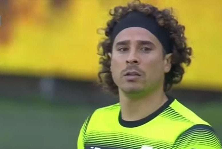 """Memo Ochoa ni se acordó de su lesión con el """"Tri"""" y ganó con Standard de Lieja"""