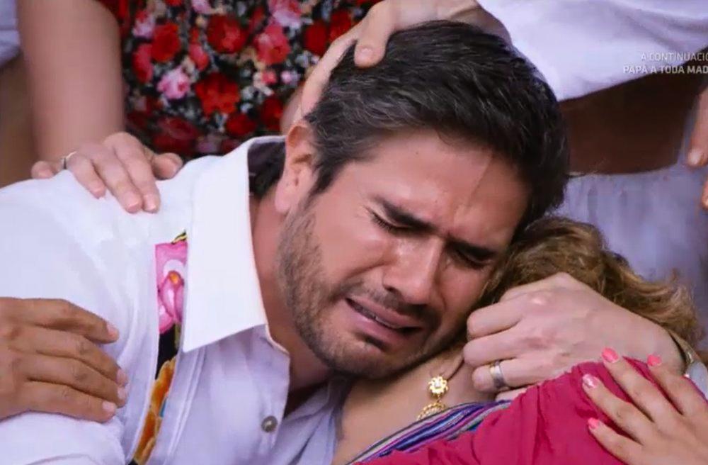 """Daniel Arenas en la escena final de """"Mi marido tiene familia"""""""