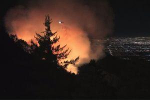 Incendio forestal en las montañas de San Gabriel