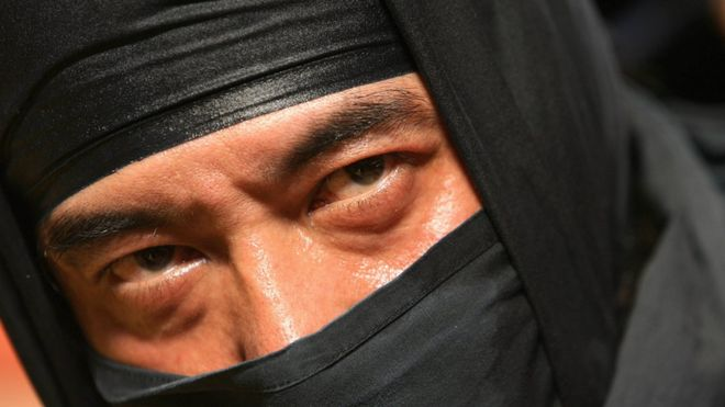 Abuelito de día y ninja de noche: el ladrón de 74 años más buscado de Osaka
