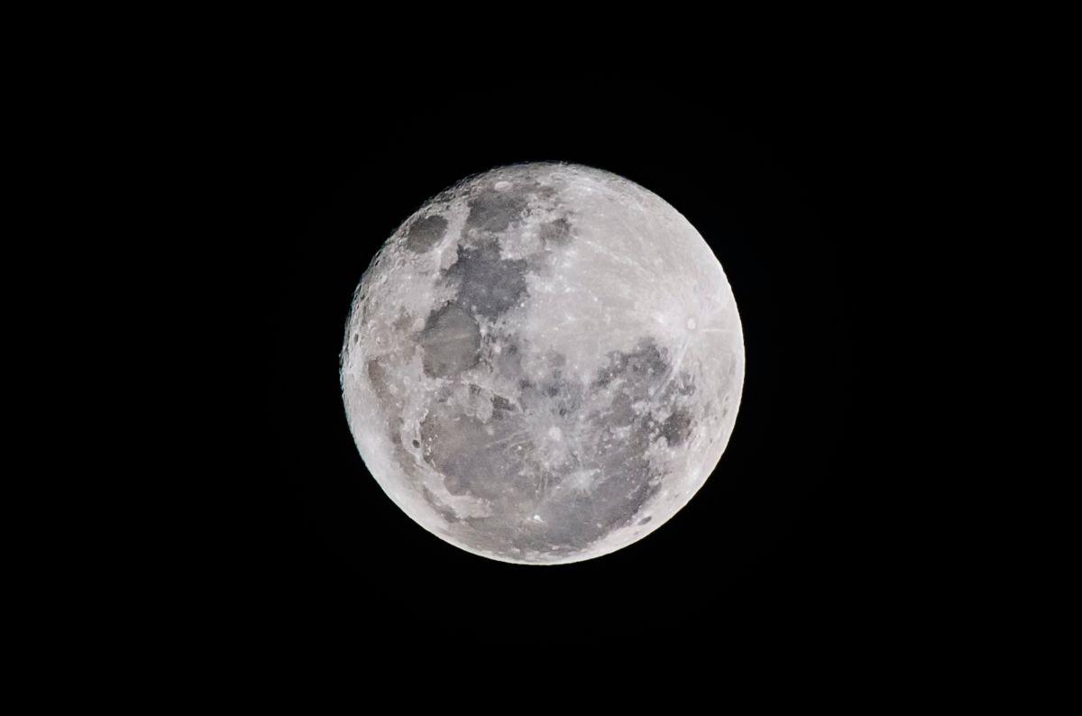 El sorprendente hallazgo realizado recientemente en la Luna