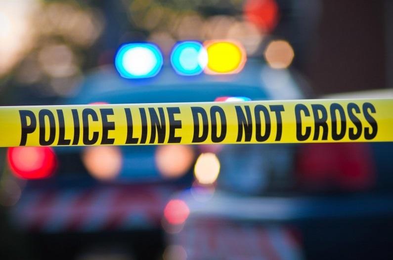 Residente de Hesperia abre fuego contra supuesto ladrón; en la casa había 4 niños