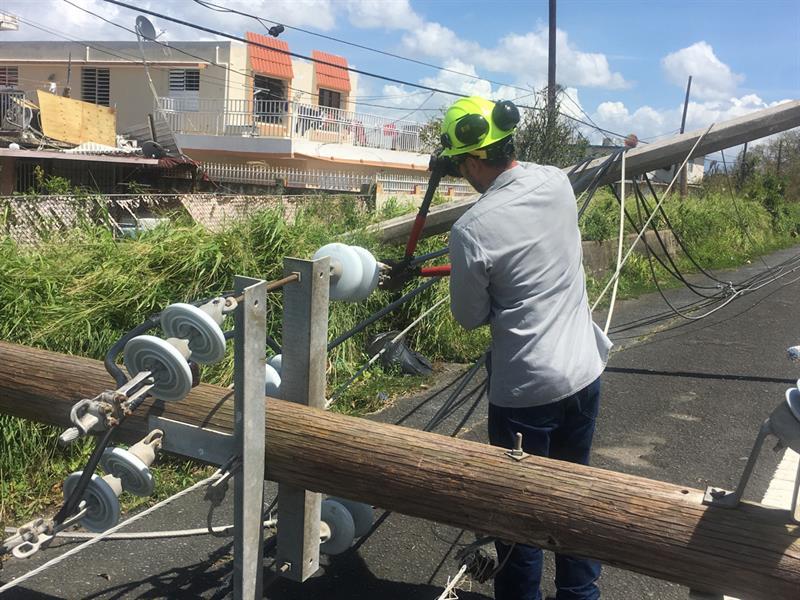 Piden en P.Rico no cortar servicios por falta de pago tras el paso de María