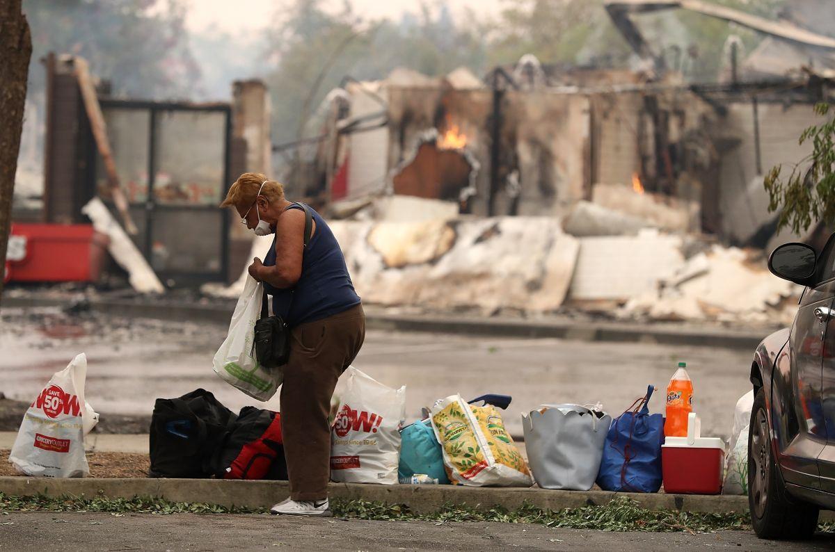 ¿Por qué siguen devorando los incendios al norte de California?