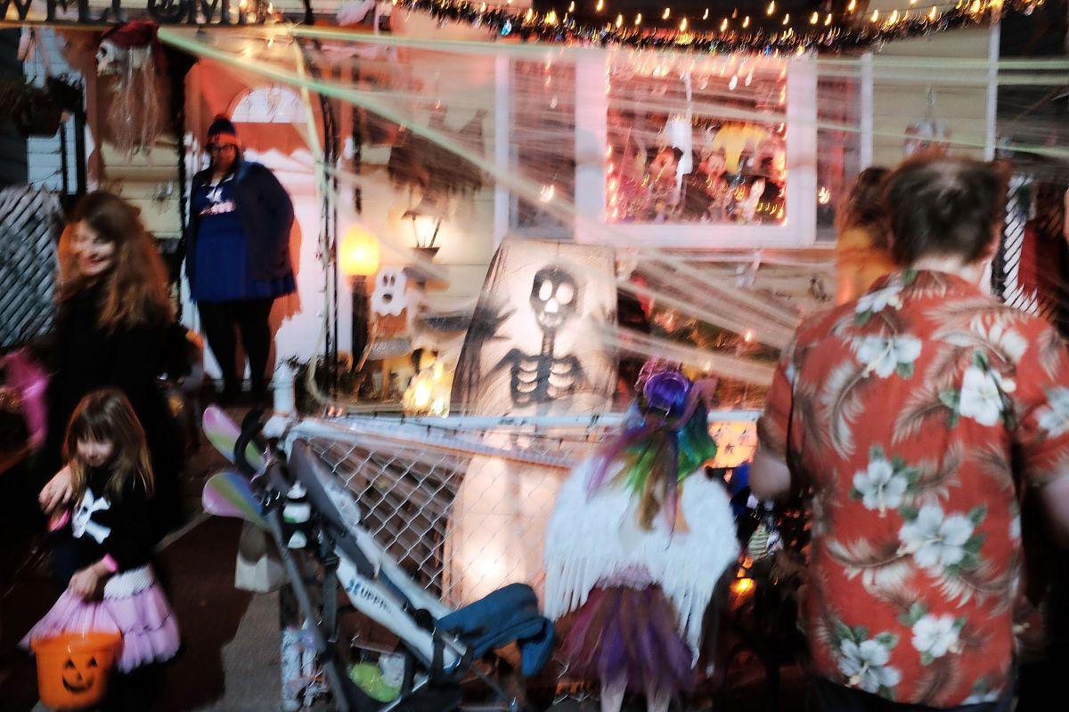 Policía alerta reparto de dulces con marihuana durante Halloween