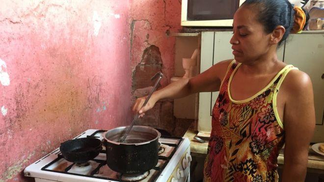 Cómo el chavismo gana elecciones y esquiva los efectos de la grave crisis económica