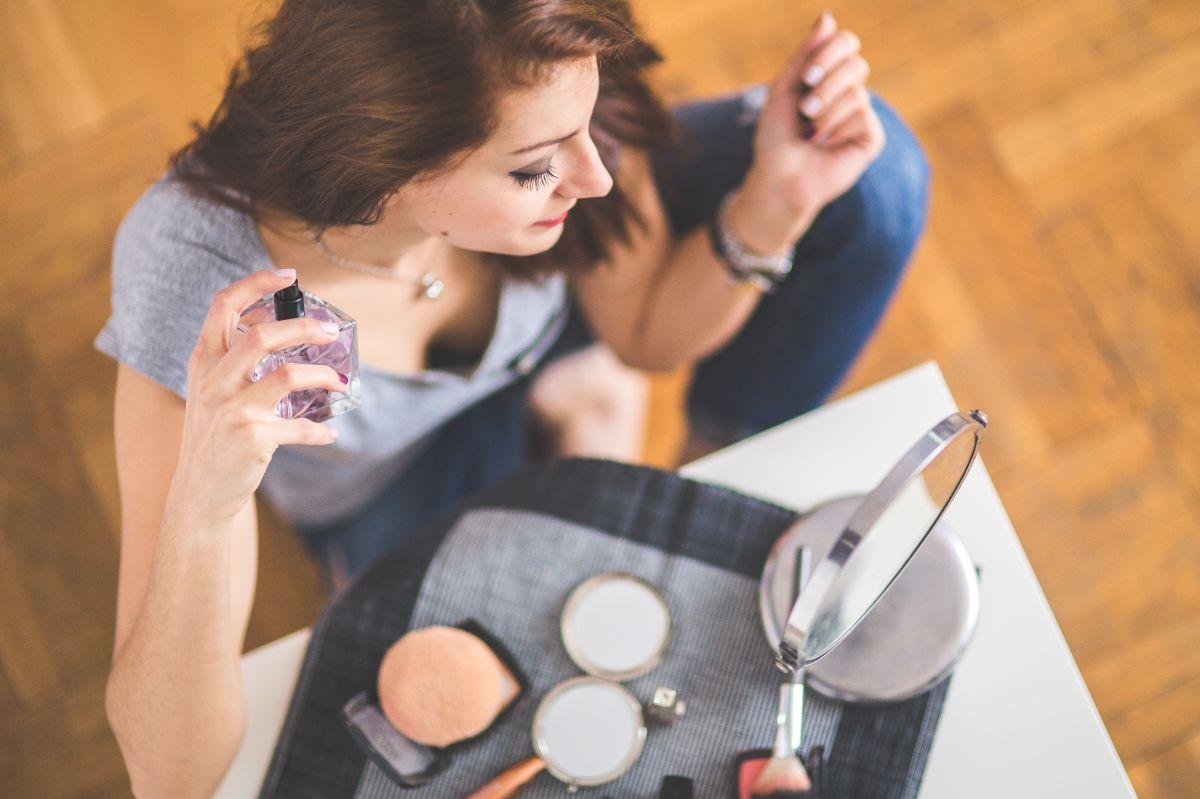 Cuatro perfumes femeninos ideales para el otoño