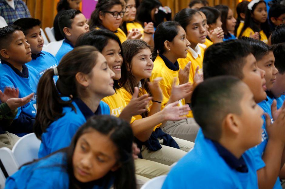 California proporcionará universidad comunitaria gratuita a estudiantes locales