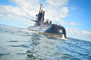 Ingreso de agua, un cortocircuito y un incendio: la emergencia a bordo del submarino argentino