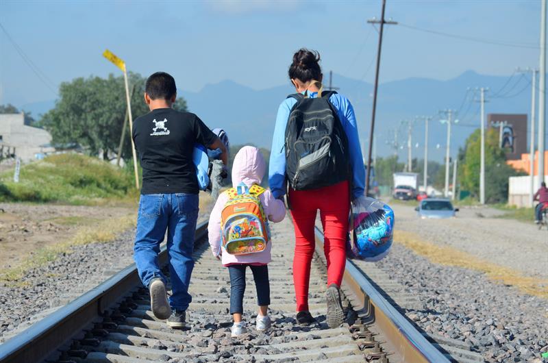 Tres de cada 10 migrantes que iban a EEUU se quedan en México