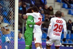 Standard de Lieja ganó con dos golazos y paradón de Ochoa