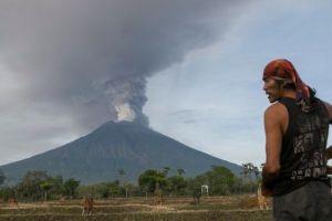 El fantasma de la tragedia se reaviva en Bali ante la alerta máxima por el volcán Agung