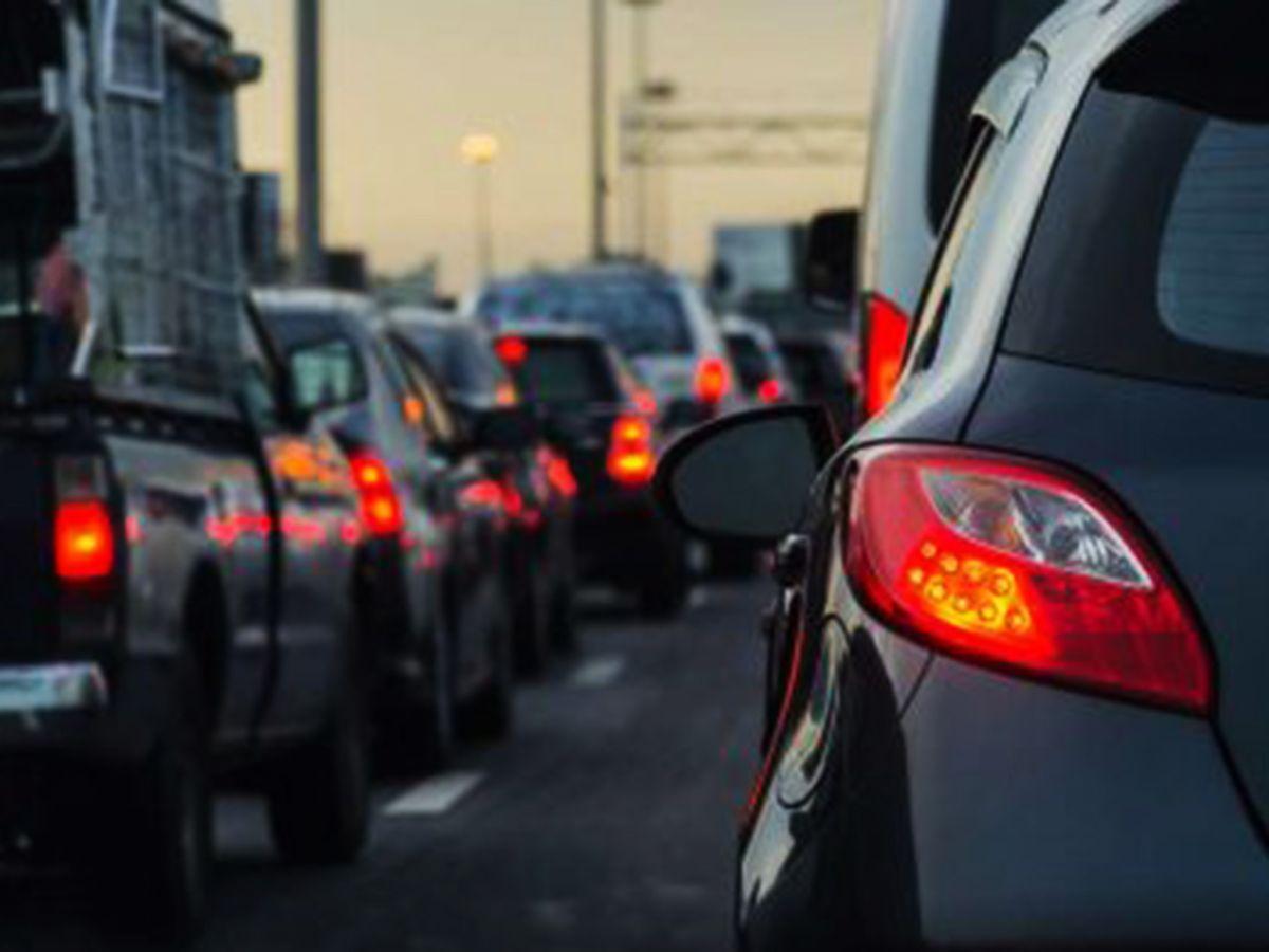 Advertencia de tráfico en autopista 91 por reparaciones