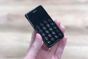 NichePhone-S, el smartphone del tamaño de una tarjeta de crédito