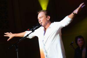 El actor y cantante David Cassidy está hospitalizado y su condición es crítica