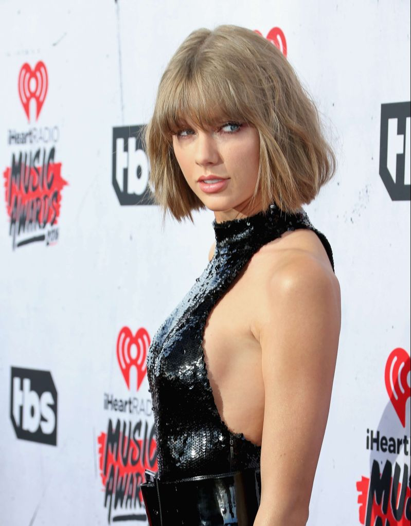 Taylor Swift se burla de Kanye West y Jay-Z