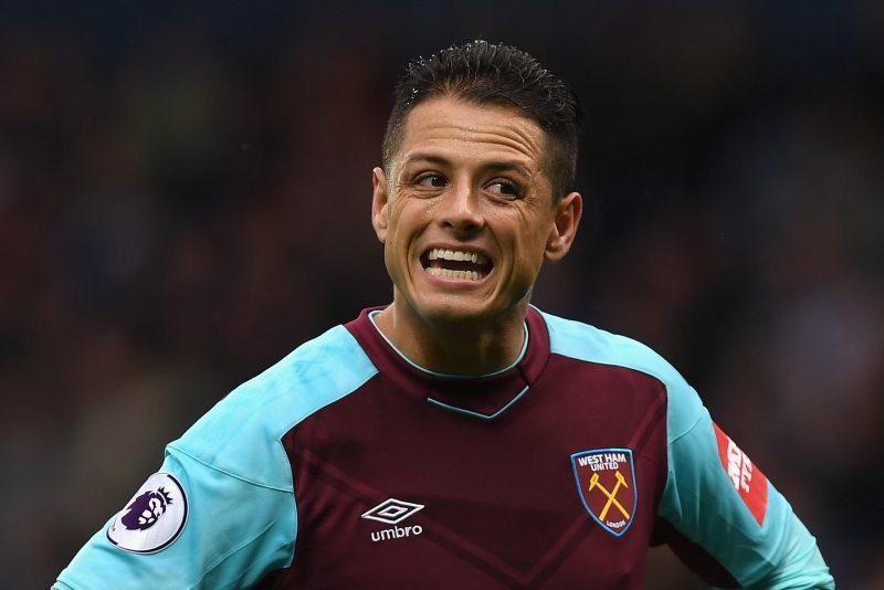 El mexicano Javier Hernández vive horas difíciles en el West Ham United y la situación podría ponerse peor.  (Foto: Shaun Botterill/Getty Images)