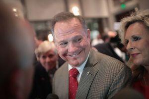 Anti inmigrantes defienden y apoyan a Roy Moore, candidato al senado en Alabama sospechoso de pederastia