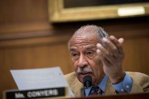 Demócrata renuncia a Comité Judicial tras acusaciones de acoso sexual