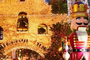 Hotel Mission Inn prepara fiesta navideña con millones de luces