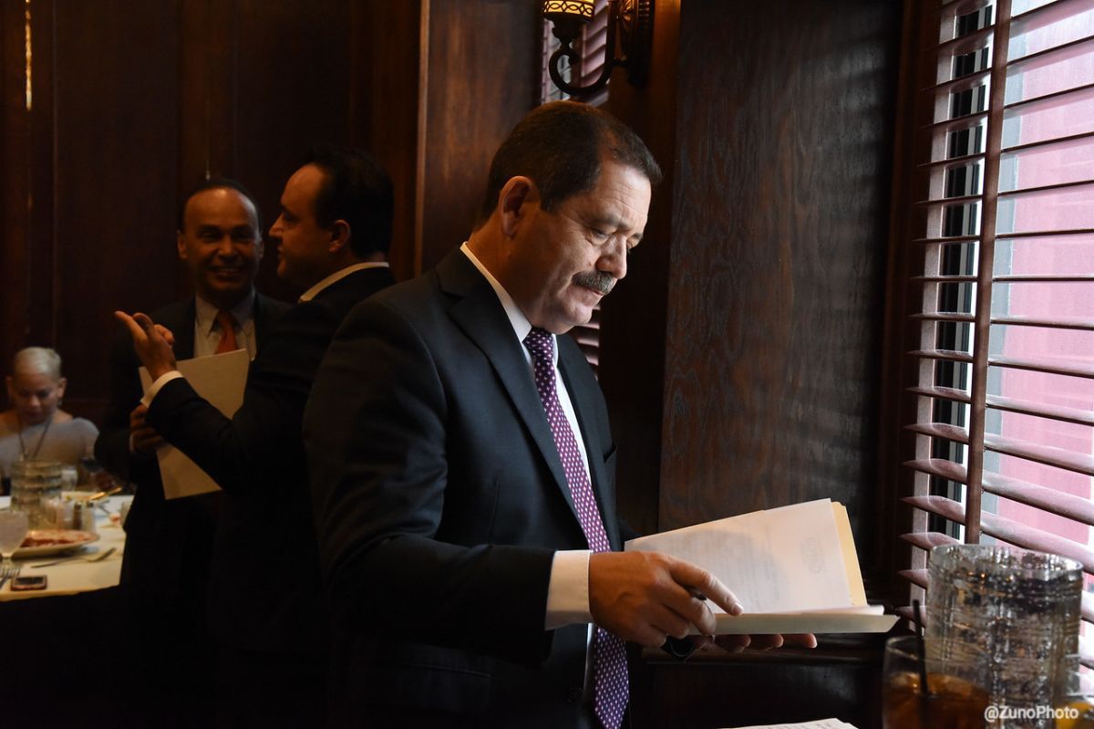 García busca ocupar el escaño que dejará Luis Gutiérrez.