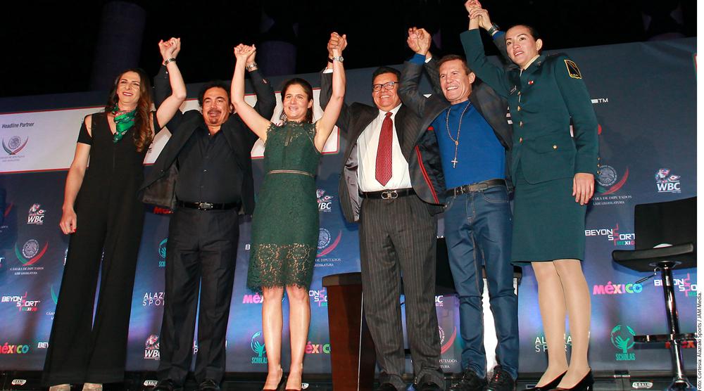 Hugo Sánchez, JC Chávez y Fernando Valenzuela, juntos por primera vez