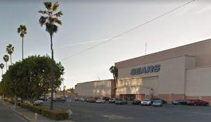 Sears en North Hollywood lucha por mantener sus puertas abiertas
