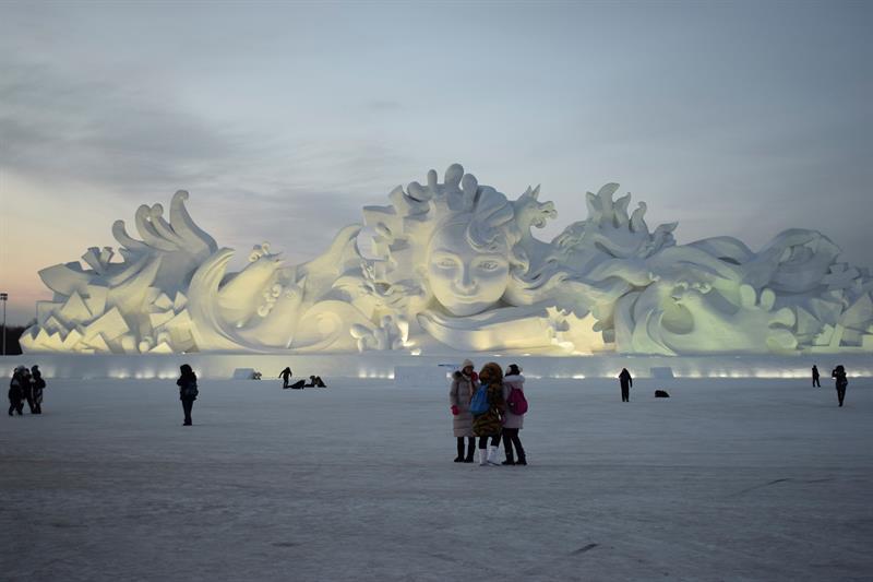 China alista el parque de hielo y nieve más grande del mundo