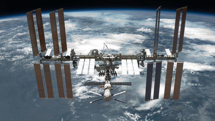 """Revelan si son o no bacterias """"extraterrestres"""" encontradas en la Estación Espacial Internacional"""