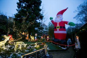 Vandalismo contra decoraciones navideñas en Whittier