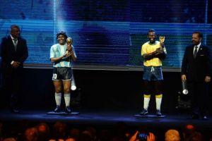 Conmebol rinde homenaje a Maradona y Pelé con sendas estatuas