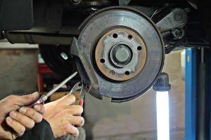 Por qué no es bueno comprar frenos baratos