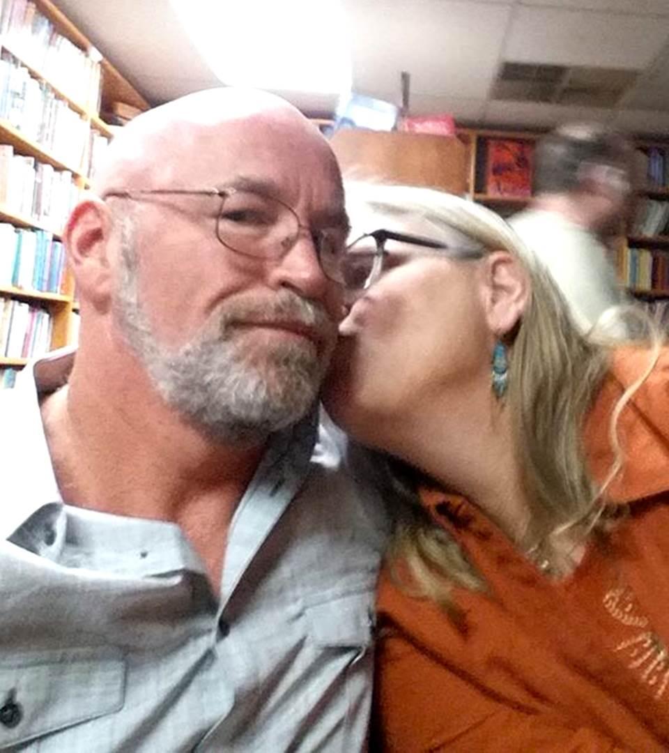 Jeffrey Agan Sr.  le propuso matrimonio a su ex mujer como regalo de navidad.