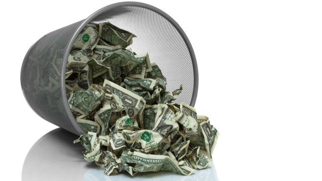 ¿Por qué los poderosos quieren un mundo sin dinero?