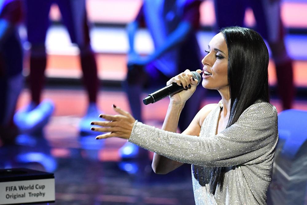 La cantante rusa Alsou entono la canción del Mundial de Rusia 2018