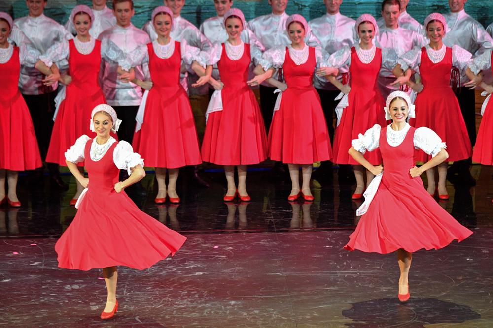Durante el sorteo hubo una exhibición de danza rusa