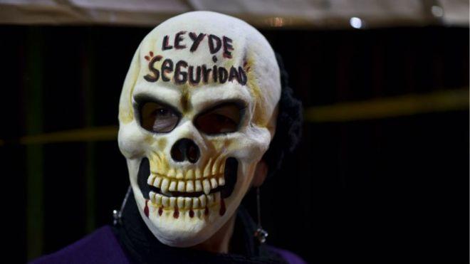 ¿Qué cambia en México con la ley que permite al Ejército patrullar las calles?