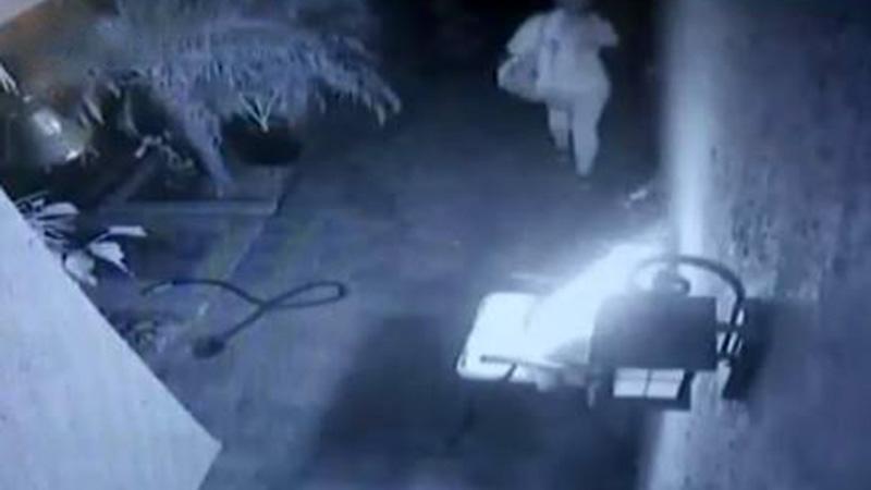 Buscan a mujer que trató dos veces de incendiar casa de Rancho Cucamonga