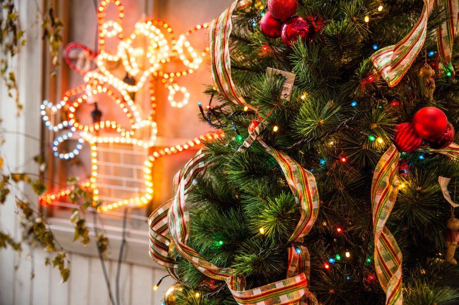 Si pones antes tu árbol de Navidad, eres más feliz que los demás